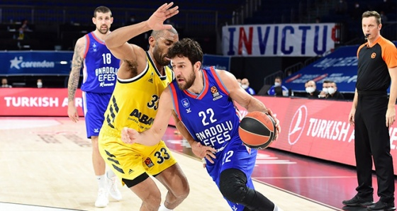 THY EUROLEAGUE: ANADOLU EFES: 84 - ALBA BERLİN: 76