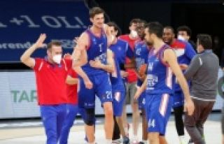 ANADOLU EFES, 4. KEZ TURKİSH AİRLİNES EUROLEAGUE...